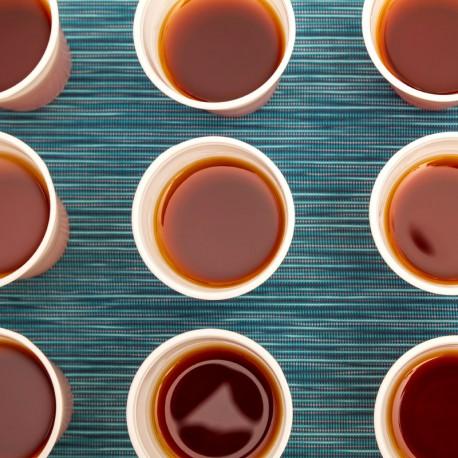 Thermos de thé, sucre, tasses et touillettes jetables